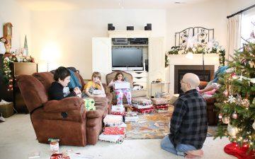 December Daily 2017 | Christmas Morning Photos: How Do You Do It?